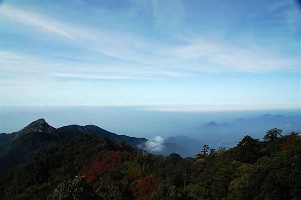 稍來山 (47)瞭望台展望.JPG