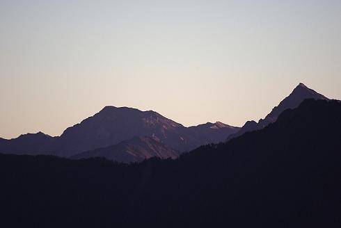 合歡山~奇萊登山口 (5)中央尖&南湖大山.JPG