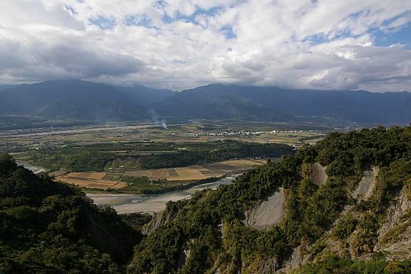 台東197縣道 (34)遠望台東平原.JPG
