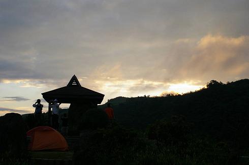 六十石山 (44)日出.jpg