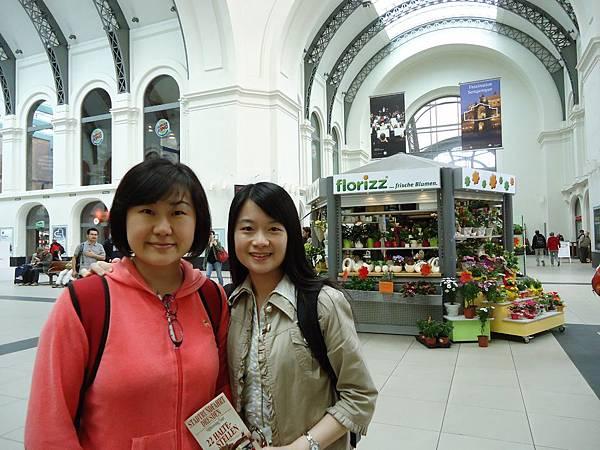師姐姐師妹妹在德勒斯登車站