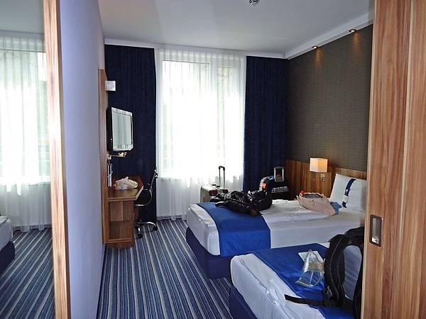 自助旅行五日下榻的飯店之一(Holiday Inn)