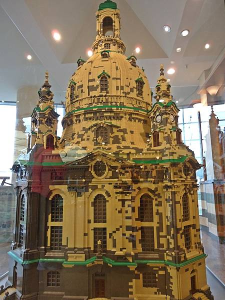 樂高搭建的聖母教堂