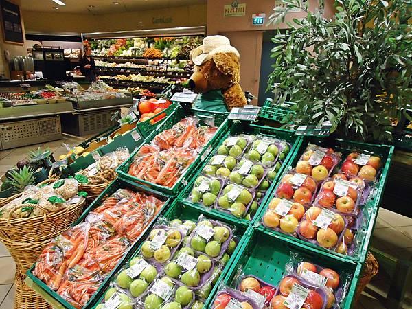 逛逛百貨的超市