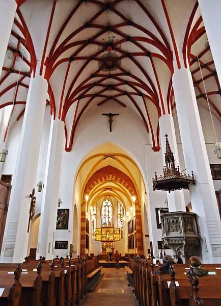 聖湯瑪斯教堂內部