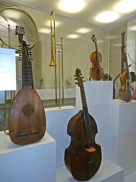 巴赫的樂團使用過的古樂器