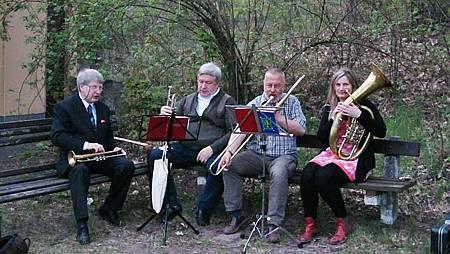Storkow教會的小型管樂團,吹奏耳熟能詳的德國聖詩