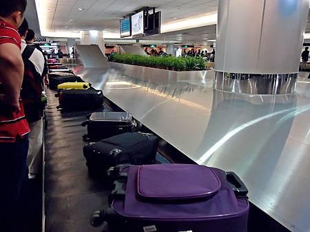 桃園國際機場,滿載回憶的行李,陪伴我們歸家