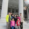 在台南奇美博物館巧遇惠玲一家。台灣好小,時間好巧!