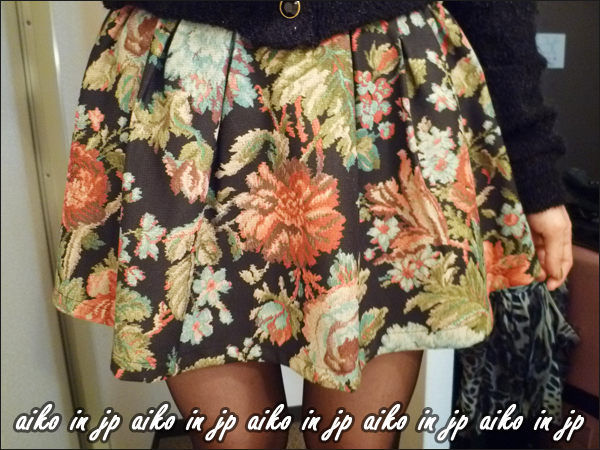 ↗aiko in jp一月折扣季170 one way折扣款~連著短褲復古花卉圖案好搭短裙.jpg