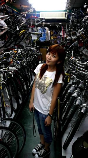 要買一台腳踏車  哇 好多選擇