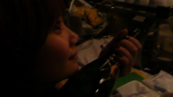 香檳把女王醉了