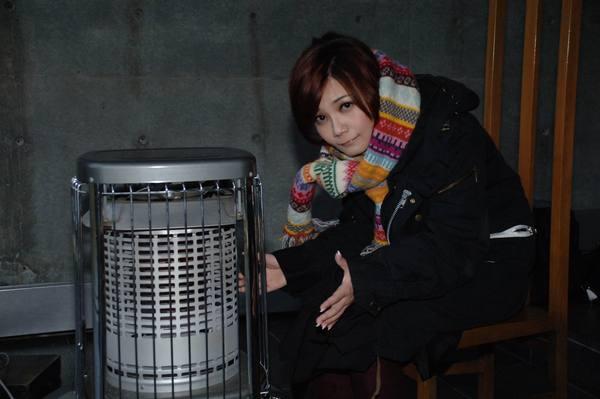 暖爐取暖.jpg