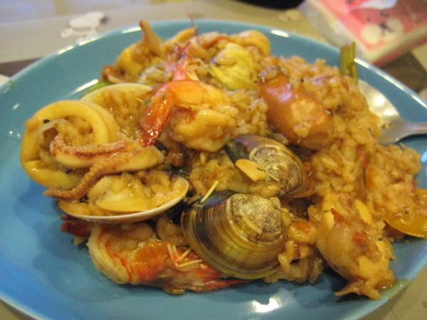 第一次動手做的西班牙海鮮燉飯