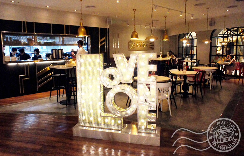 love one cafe01