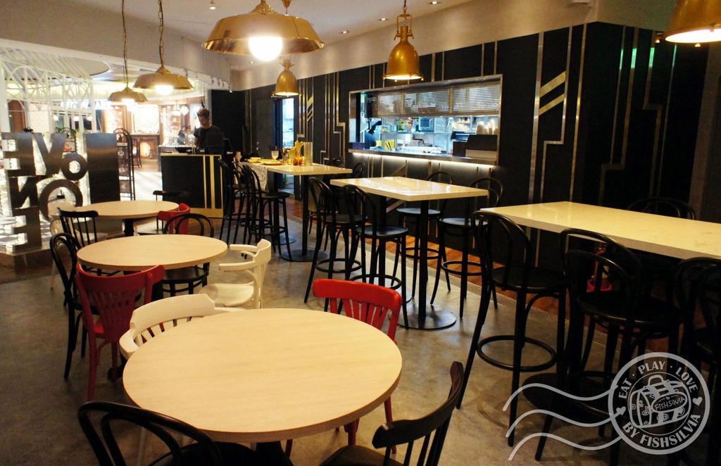 love one cafe att01