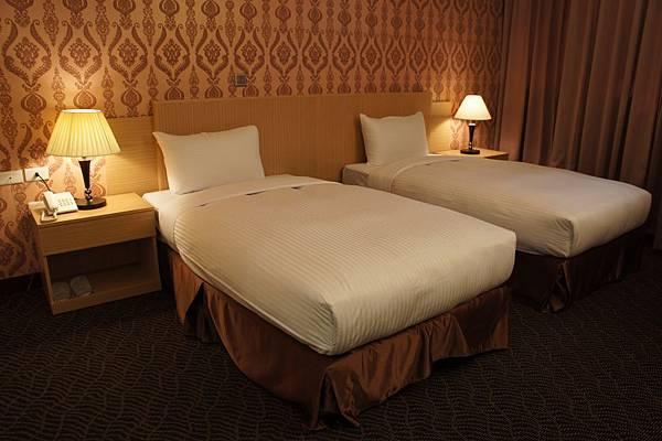 夢想家商務旅館05-2318705或0937657737小楊