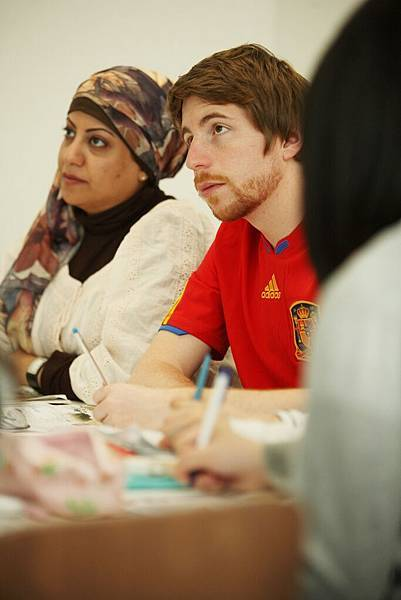 Students_learning_at_the_Language_Centre2.jpg
