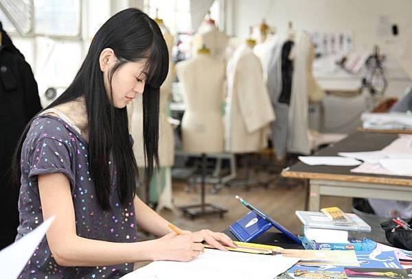 English_Plus_Fashion_Design.jpg