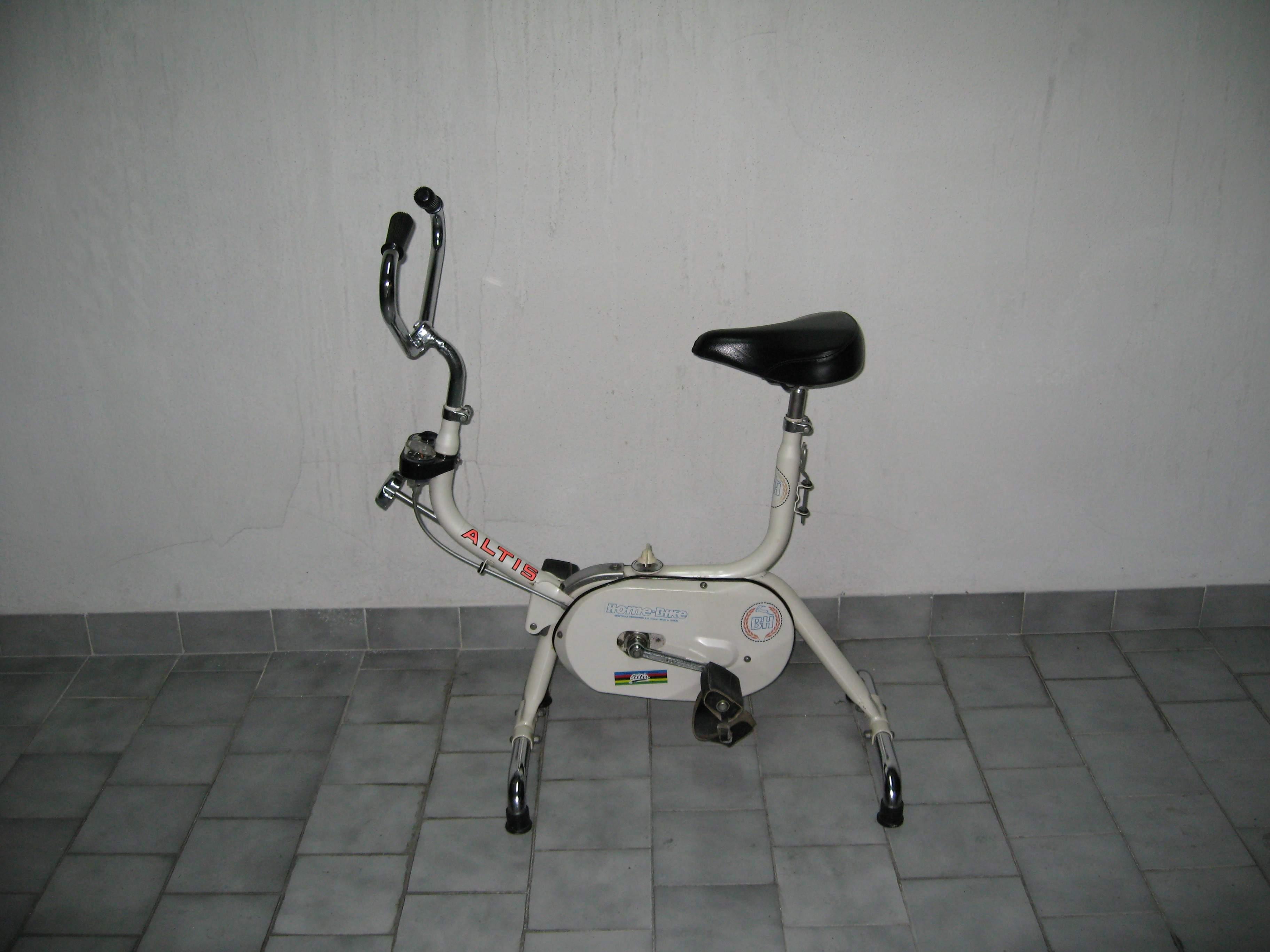 第一台室內健身車.jpg