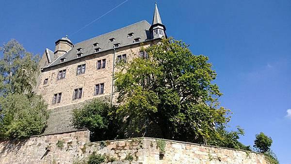 馬爾堡伯爵城堡外觀.jpg