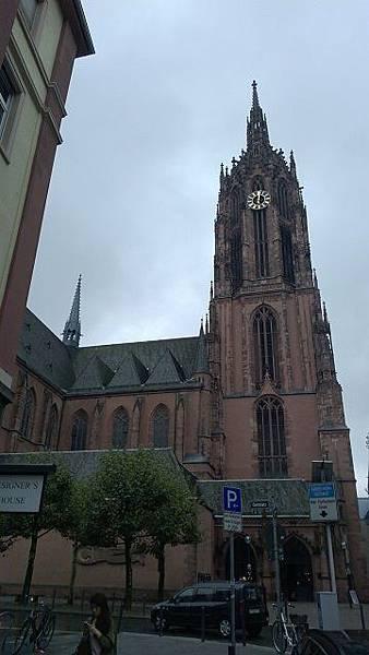 聖巴爾多祿茂主教座堂外觀.jpg