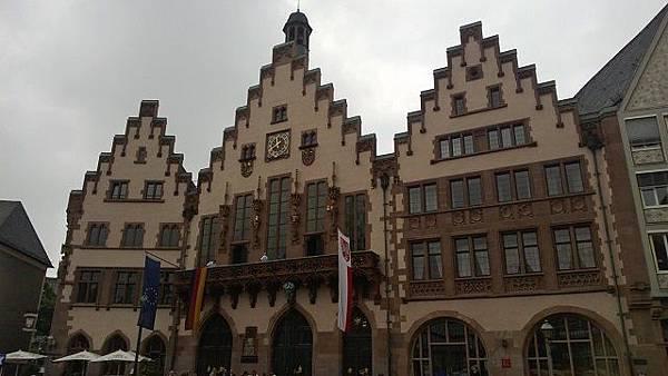 舊市政廳.jpg