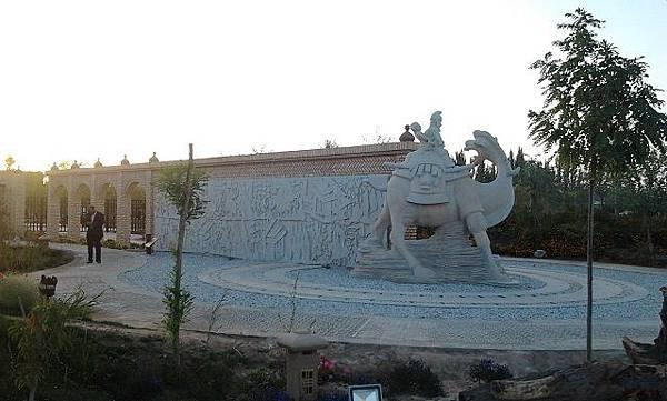 6.敦煌文化雕塑博覽園1