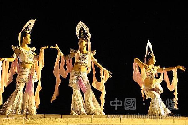 9.敦煌文化雕塑博覽園4