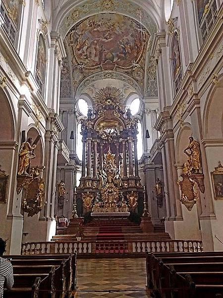 聖伯多祿教堂.jpg