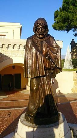 圖六: 首代親王穿著教會修士的衣袍,在此建立義大利語的海景城市.JPG