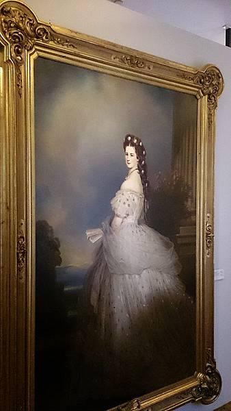 圖七 奧匈帝國末代皇后─茜茜(德語 Kaiserin Elisabeth, Sisi )是頗具爭議與傳奇性的帝國人物,在美泉宮更有許多皇后當年生活的足跡。.JPG