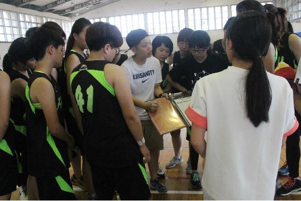 (圖三)教練品絜講解戰術.jpg
