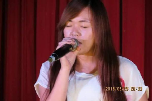 (圖五)歷史系表演 葉怡秀演唱〈 skyscraper〉.png