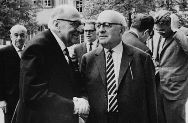 (圖一)霍克海默(左)和阿多諾(右),攝於1965年。.png