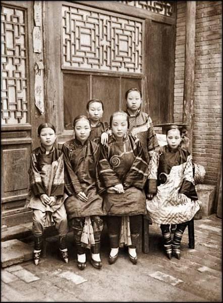 (圖二)中國傳統女性.jpg