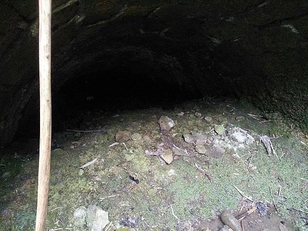 圖七/已崩塌的礦坑.jpg