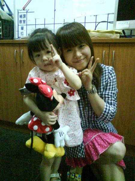 和劉經理女兒的合拍.JPG