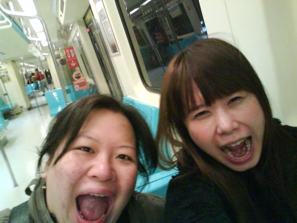 捷運上也拍.JPG