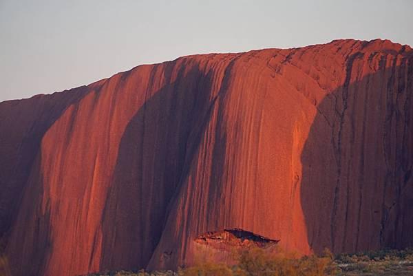 巨名烏魯魯擁有古老的地貌,位於烏魯魯-加他茱達國家公園(Uluru-Kata Tjuta National Park)的心臟地帶,名列世界文化遺產。