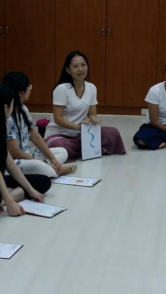 05-行腳結束後的分享交流,學員訴說自己心靈的感動。