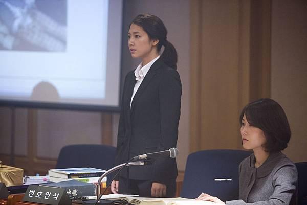 朴信惠法庭戲1
