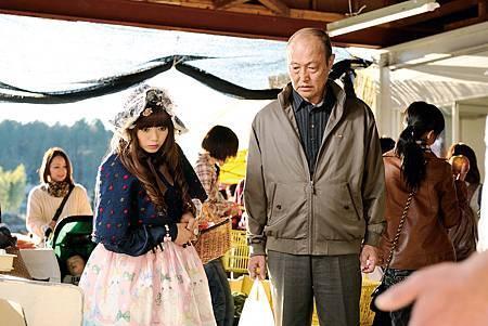 【四十九日的幸福秘方】電影原著小說原本將角色設定為「109辣妹」,沒想到二階堂富美竟主動要求改成身穿哥德式女僕裝、劃著厚重眼線的蘿莉美少女