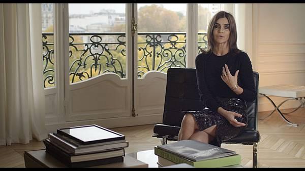 「穿著Prada的惡魔」生涯最大勁敵卡琳洛菲德不讓其他時尚大師專美於前,她的故事【巴黎時尚女魔頭】將搬上大銀幕