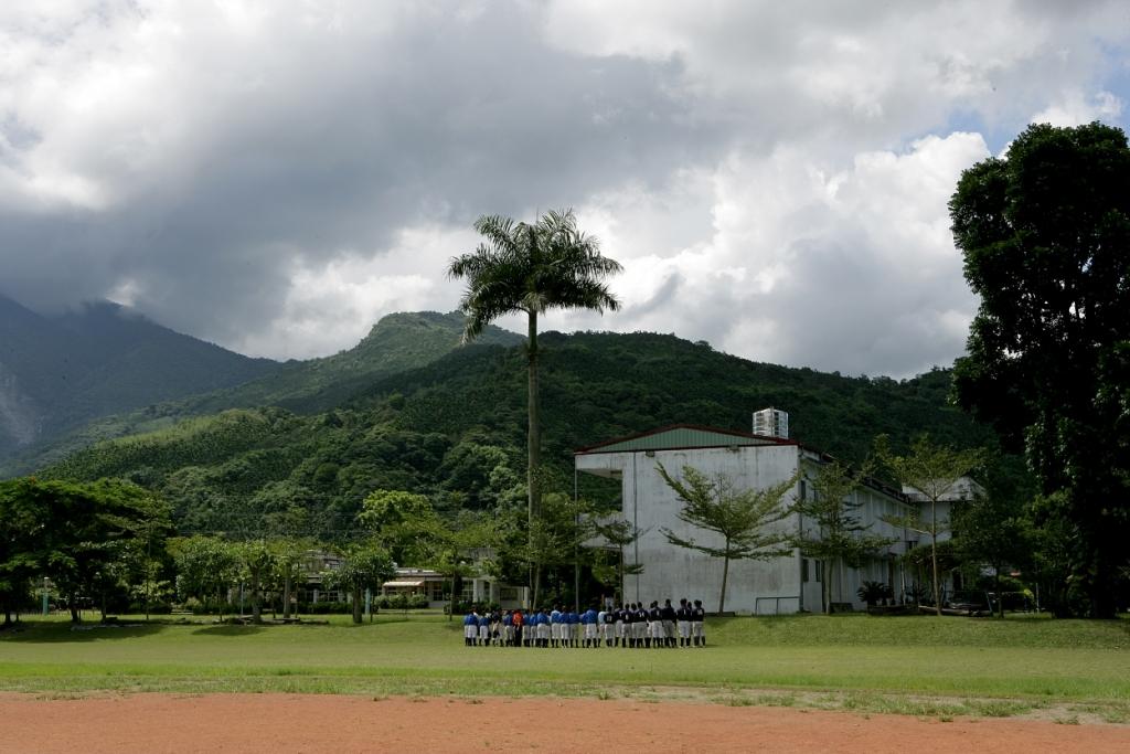 VX3T8772-暑假在學校集訓前的整隊.JPG