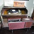17-故居裡的唱盤.JPG