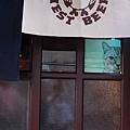 05-04.門上有貓.JPG