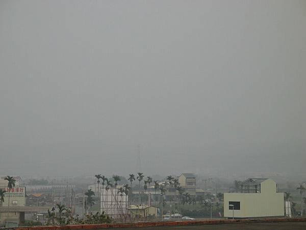 娘家頂樓遠眺的風景
