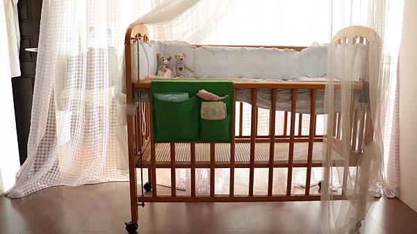 迎接荳荳歸巢的嬰兒床