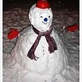 冬天勢必要堆個雪人
